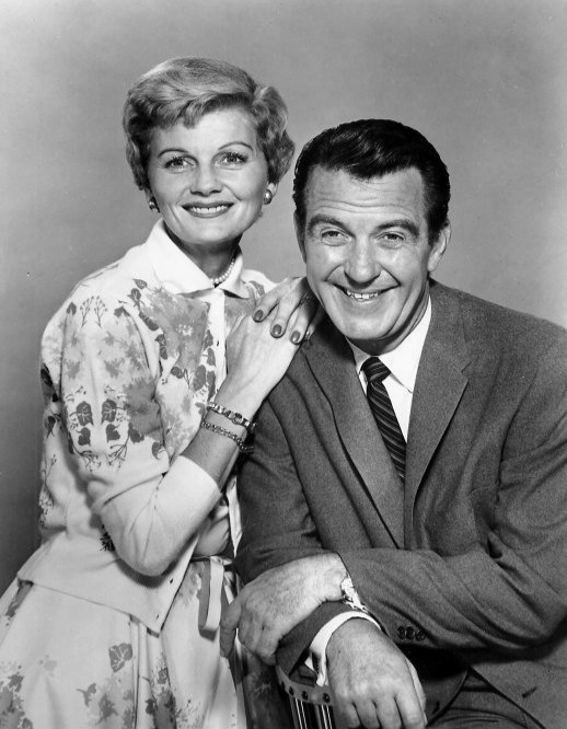 June_and_Ward_Cleaver_Leave_it_to_Beaver_1958.jpg